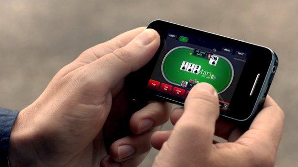 Играть в ПокерМатч на телефоне
