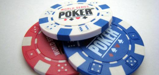 poker-za-stolom